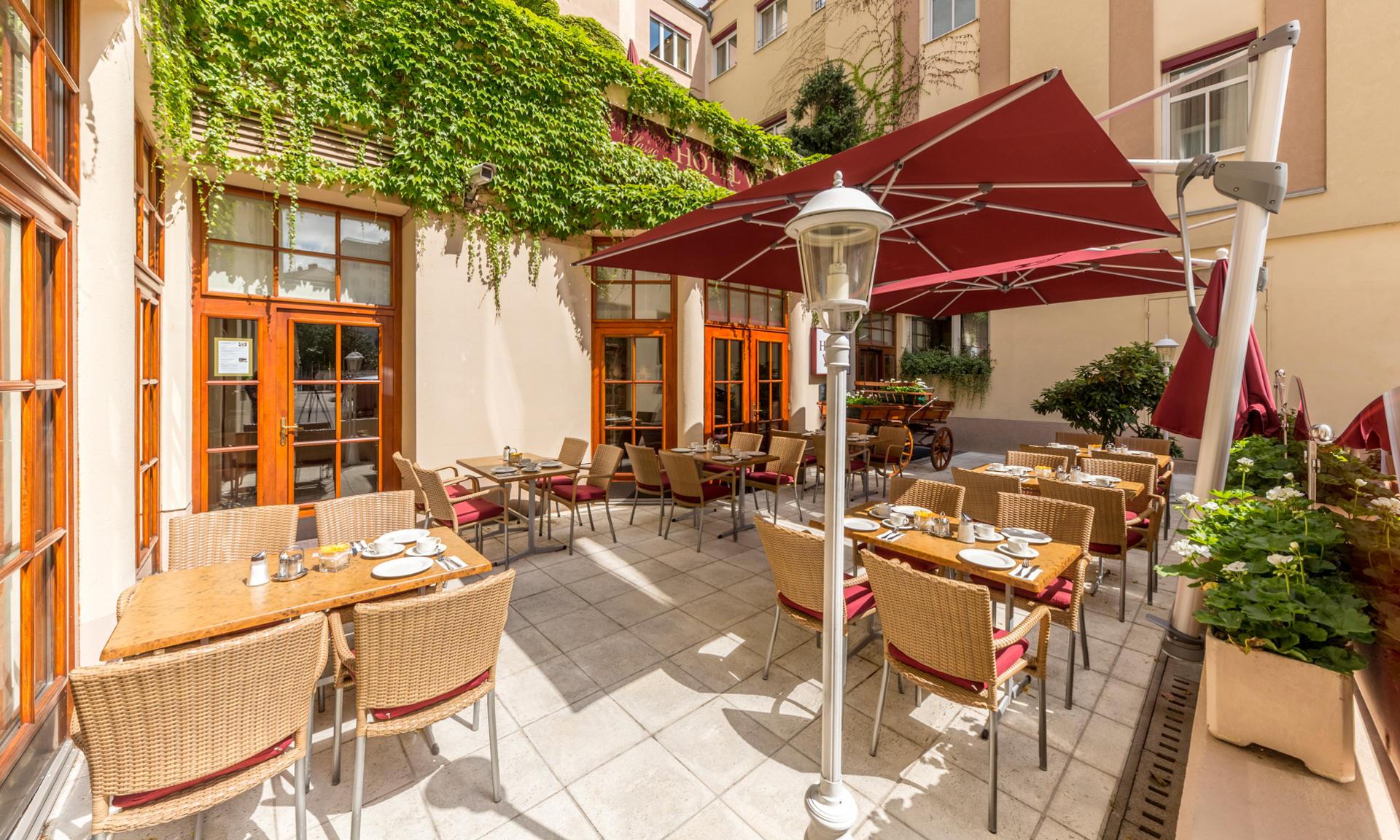 Frühstück auf der Terrasse im Austria Classic Hotel Wien